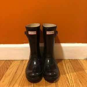 Black short Hunter rain boots